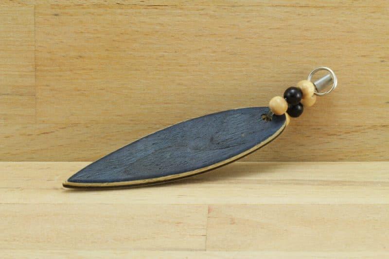 Surfboard.blaueperlen.schluesselanhaenger.Vogelaugen-blau.1